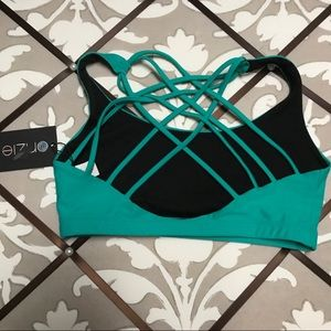 New Onzie Chic Bra With Strappy Back Size Small